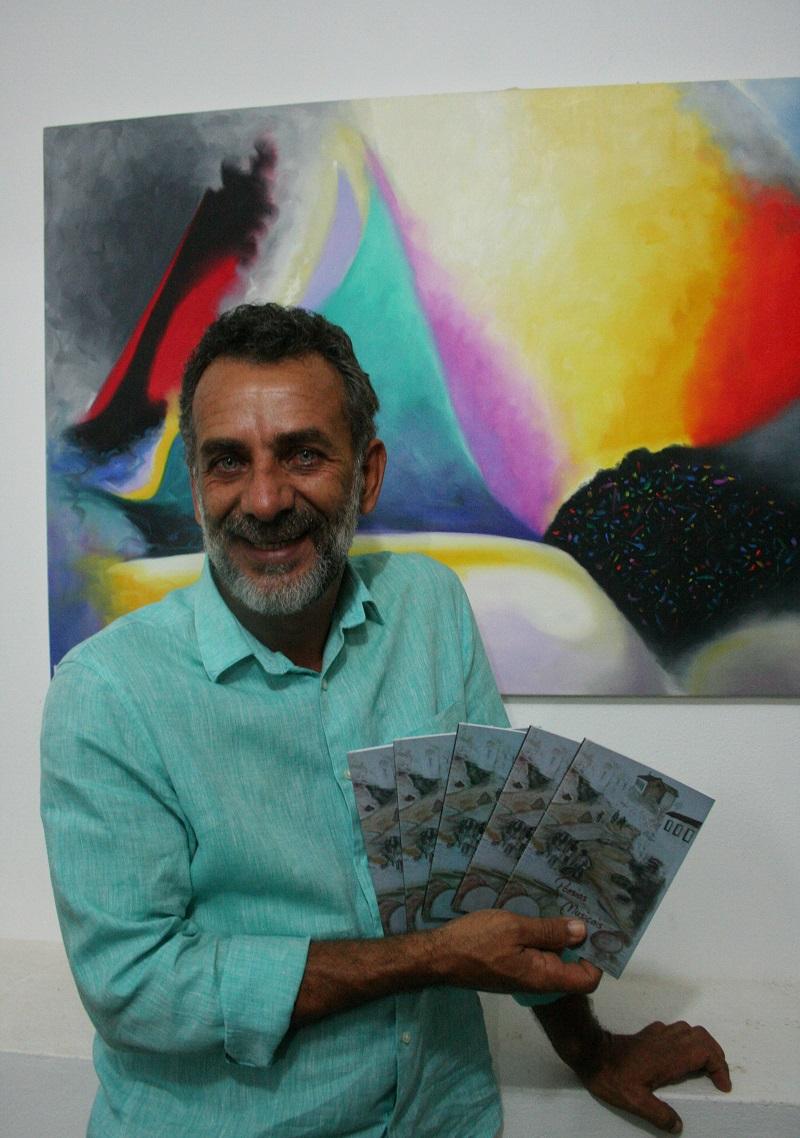 """O poeta chapadense Everaldo Soares, de Iraquara (BA), lança o seu primeiro livre no novo Centro Cultural de Lençóis, cidade onde vive. Em """"Poesias Musicais"""", o autor traz versos cheios de ritmo, melodia e humor, como no último poema: """"Eu palhaço Fazer rir É a coisa mais séria que faço"""""""