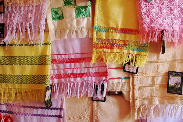 Trabalho das mulheres quilombolas das comunidades Barra e Bananal. Foto: Marcio Papi