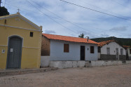 Igreja de Santo Antônio e moradias - Verusa Pinho