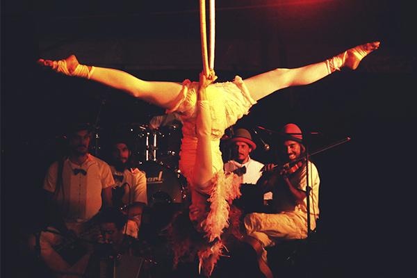 Espetáculo no Circo do Capão | Foto: Renata Reis