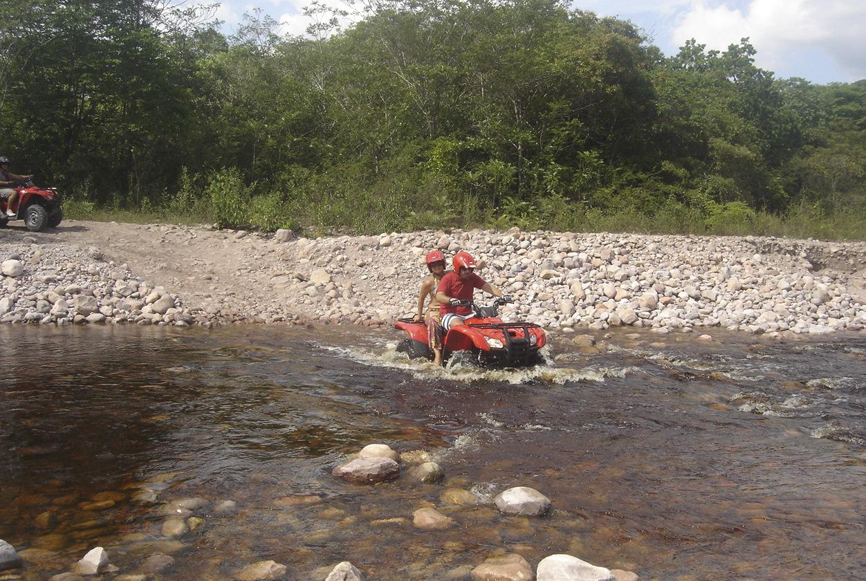 Passeio de Quadriciclo | Foto: Acervo Lentur