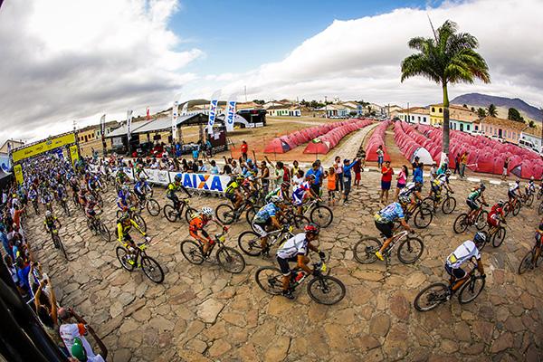 Largada da Brasil Ride em 2014 | Foto: Fabio Piva / Brasil Ride