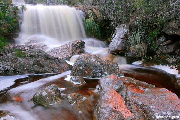 Cachoeira do Córrego do Meio, Igatu - Andaraí/BA. Foto: Dmitri de Igatu | www.dmitrideigatu.blogspot.com.br