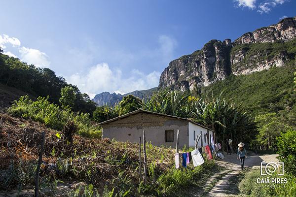 Caminho de volta do Cachoeirão por baixo. Foto: Caiã Pires | instagram.com/caiapires