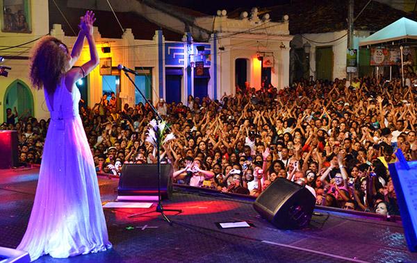 Guia-Chapada-Diamantina-Festival de Lençóis-Vanessa da Mata-Caiã Pires
