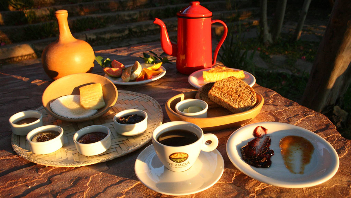 Mesa posta com café da Terroá Cafés Especiais | Foto: Divulgação
