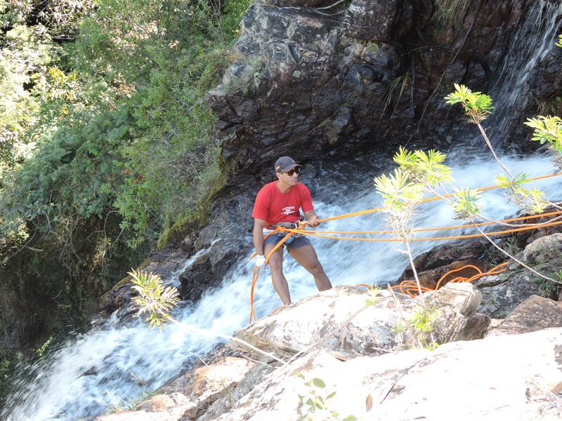 Rapel na Cachoeira do Patrício com as agências Na Altitude/Piatã e Nativos da Chapada/Lençóis | Foto: Ricardo Xavier Pina
